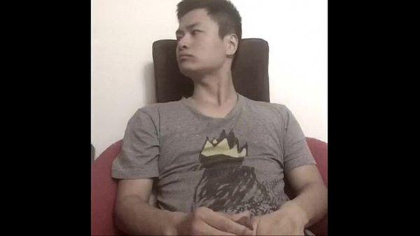 Asian guy showing off body! Sunny Prince, Aka Prince Zhou :) 上海出生,加国公民。